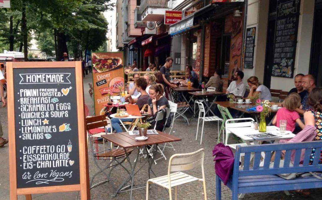 Café in der Simon-Dach-Straße, Berlin Friedrichshain