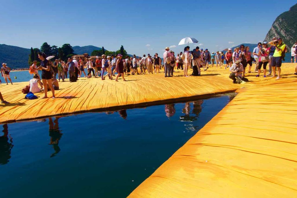 Christo Floating Piers, Lago d'Iseo ©PetersTravel