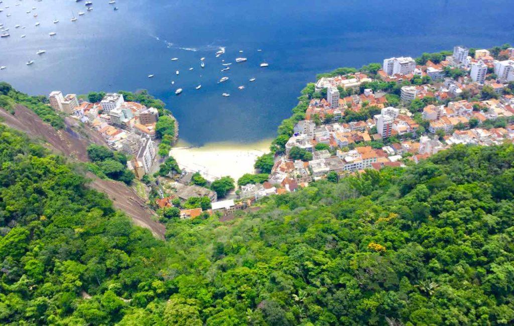 Zuckerhut Rio de Janeiro Pao de Acucar, Brasilien, iPod-Foto. Versteckter Strand