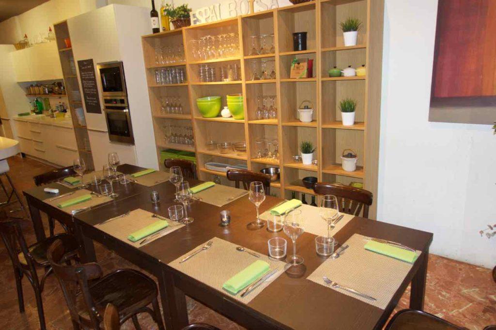 Kochkurs Barcelona: Kochschule Espai Boisà, Essbereich