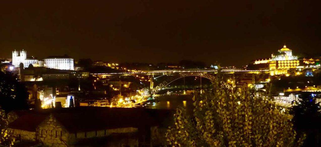 Blick vom Graham's auf Porto, Brücke Dom Luis I und Gaia, ©PetersTravel
