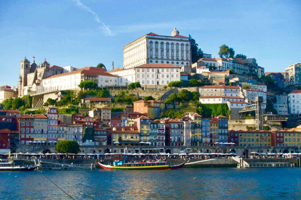 Gaia, Blick von der Uferpromenade auf Porto, © PetersTravel