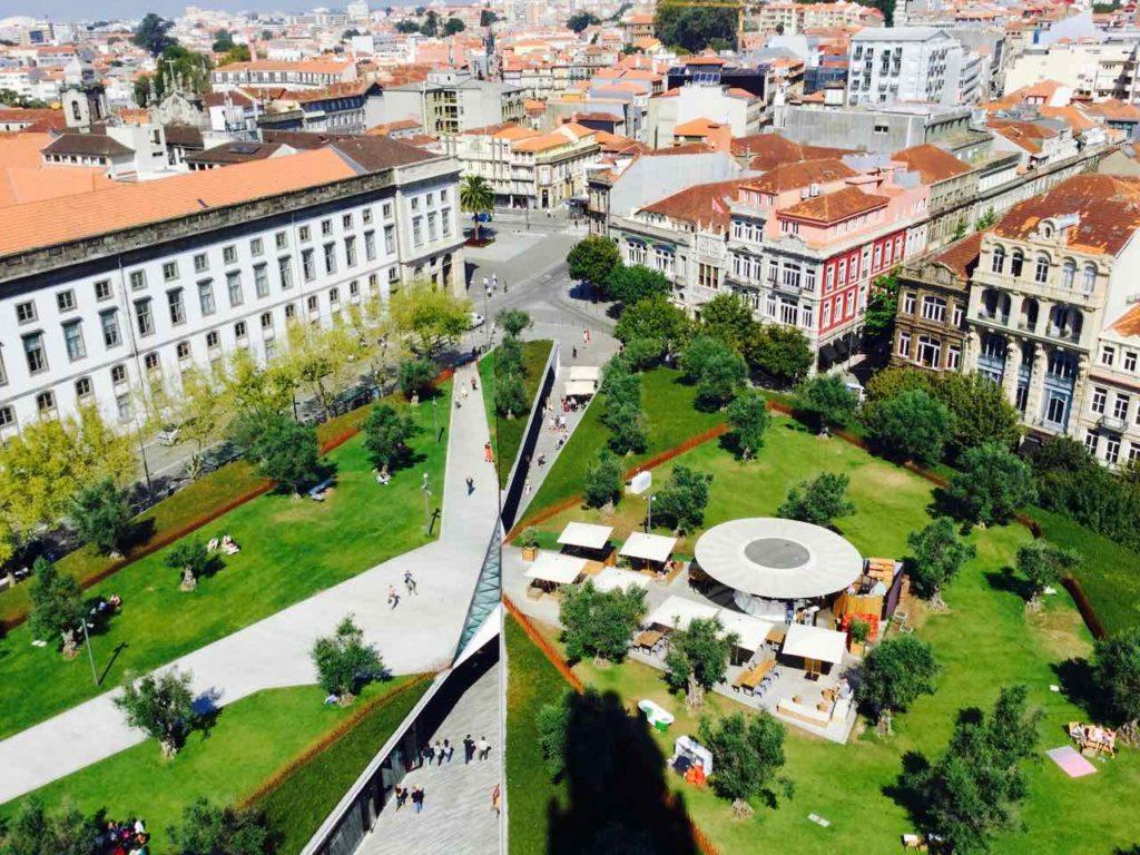 Porto Sehenswürdigkeiten Blick vom Torre dos Clérigos © PetersTravel