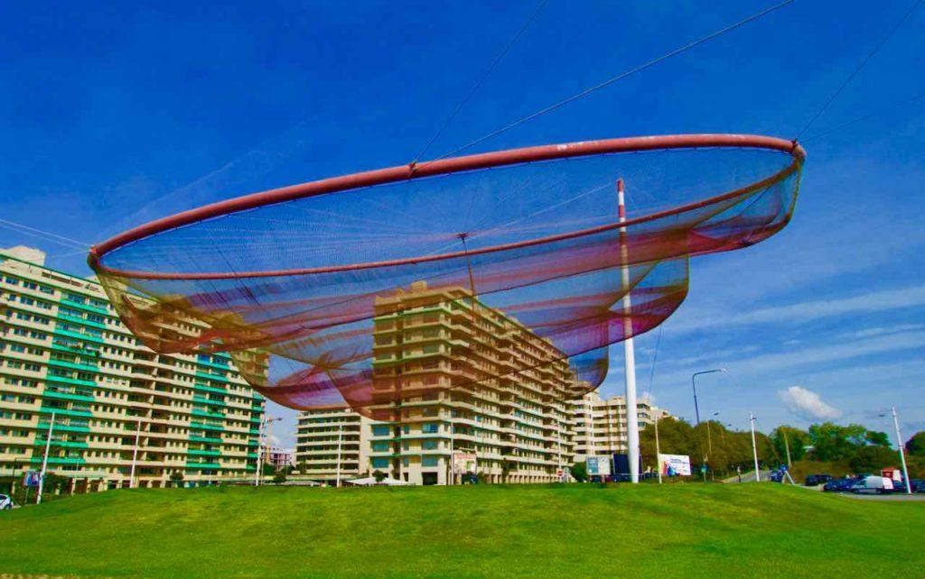 Porto Sehenswürdigkeiten: Die Anémona (ein Fischernetz) ist das Wahrzeichen von Matosinhos @ PetersTravel