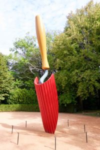 Porto Sehenswürdigkeiten: Jardim de Serralves, Kunst von Claes Oldenburg