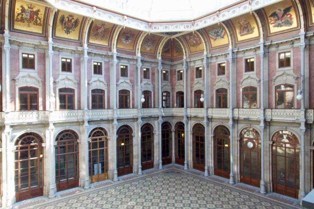 Porto Sehenswürdigkeiten: Palacio da Bolsa, Halle der Nationen ©PetersTravel