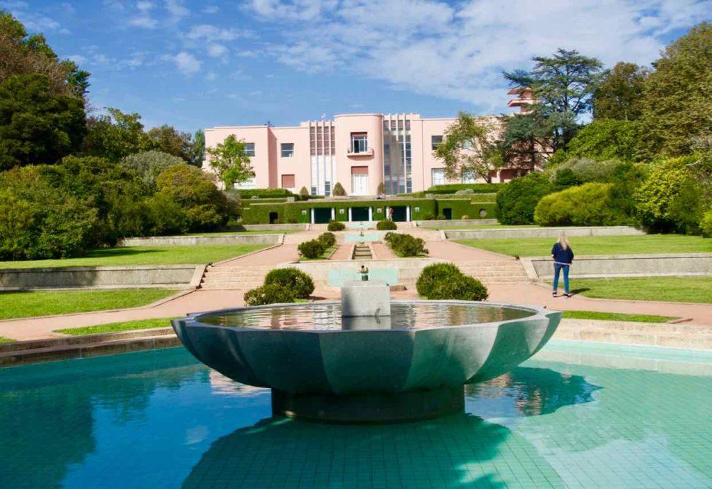 Porto Sehenswürdigkeiten: Villa im Jardim Serralves ©PetersTravel
