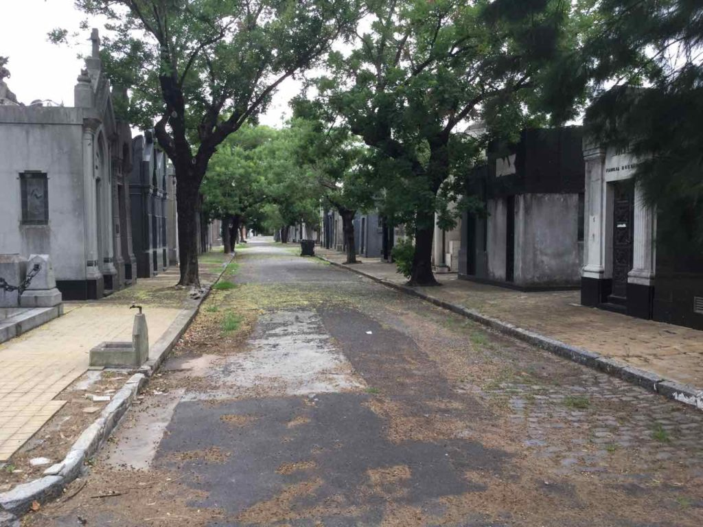 Buenos Aires Friedhof Cementerio de la Chacarita, Allee, ©PetersTravel iPod-Foto