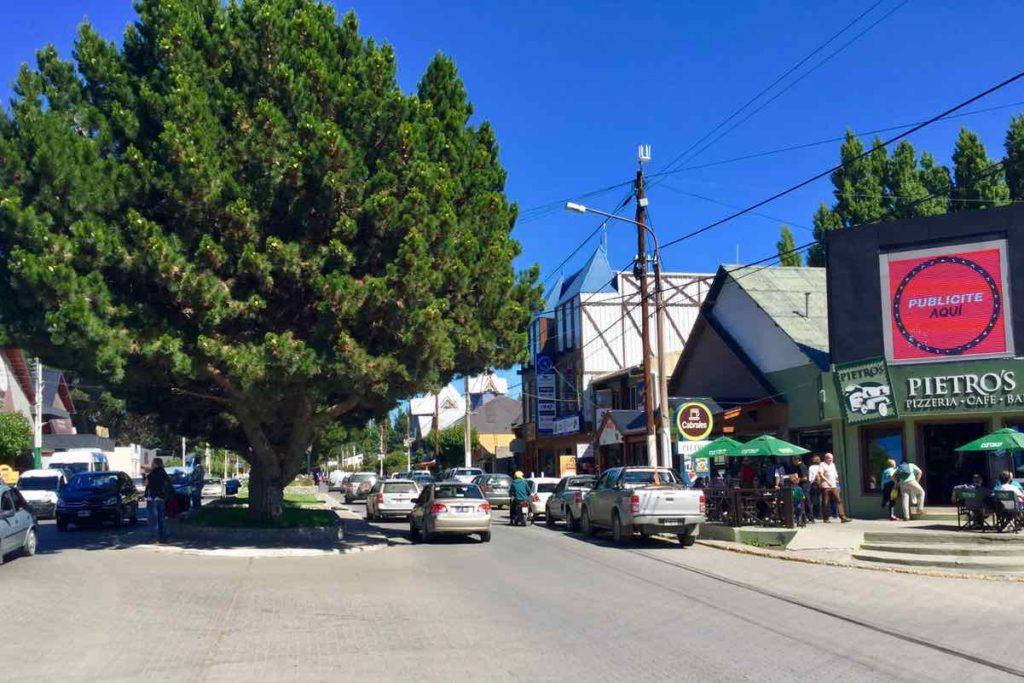 El Calafate Patagonien, Argentinien Hauptstraße mit meinem Frühstückscafé Pietro's