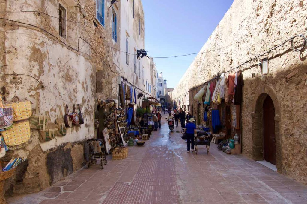 Essaouira, Stadt der Winde, marode Einkaufsgasse ©PetersTravel