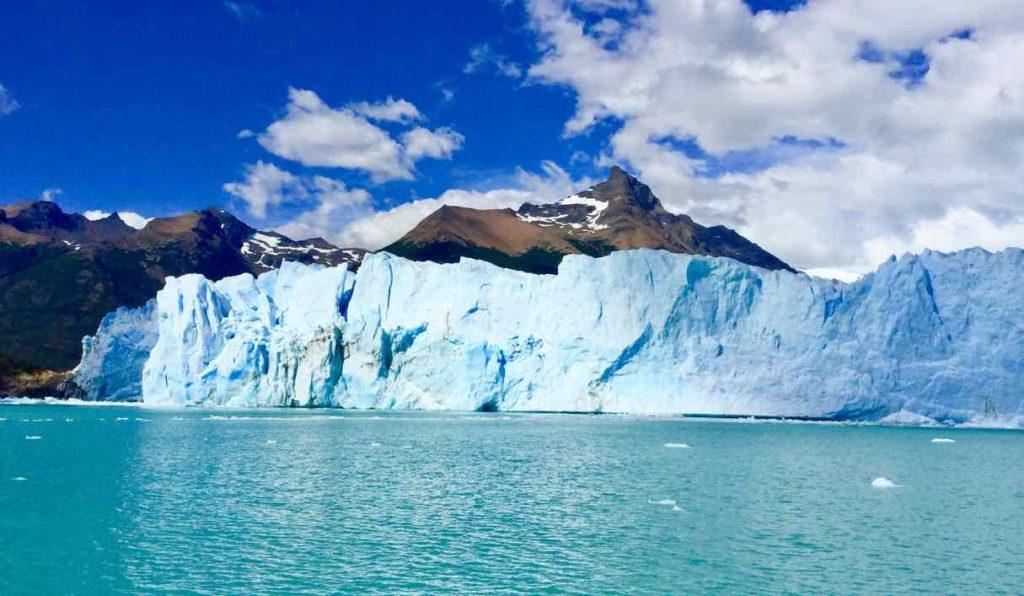 Perito Moreno Gletscher Patagonien Argentinien Totale vom Boot