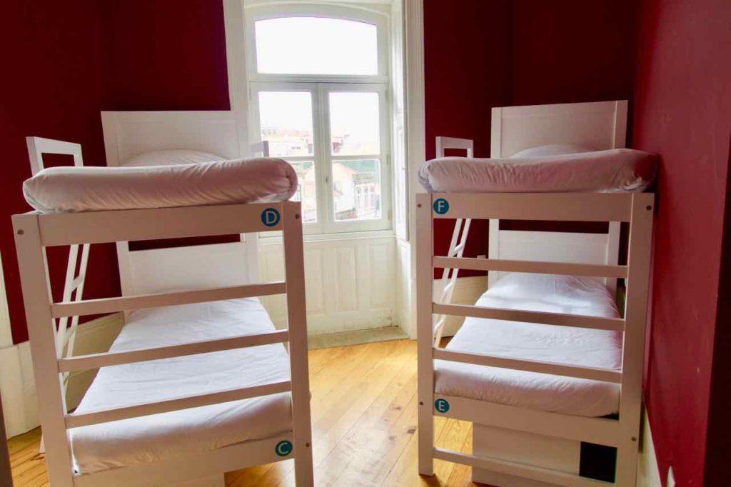 Porto Hoteltipps: Best Guest Hostel Schlafraum mit 4 Betten © PetersTravel