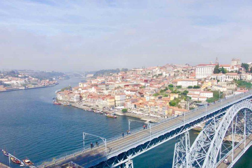 Porto Sehenswürdigkeiten mit Ponte Dom Luis I Titel 1 ©PetersTravel