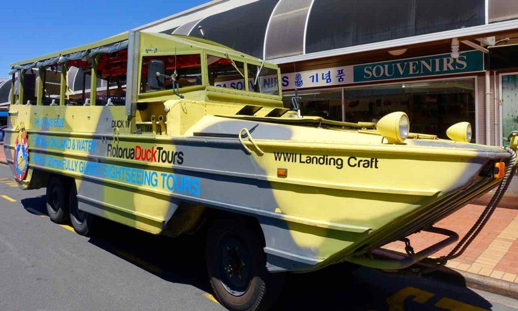 Rotorua Sehenswürdigkeiten, Amphibienfahrzeug Neuseeland, ©PetersTravel