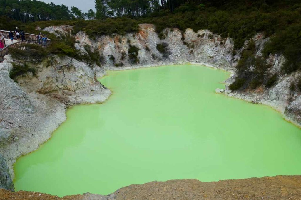 Rotorua Sehenswürdigkeiten, Devils Pool in Wai-O-Tapu Neuseeland, ©PetersTravel