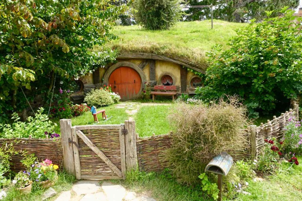 Hobbingen / Hobbiton Hobbit-Haus, @PetersTravel