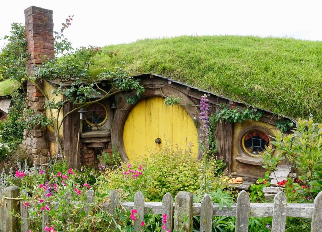 Hobbingen / Hobbiton Bilbos Haus mit Gelber Tür @PetersTravel