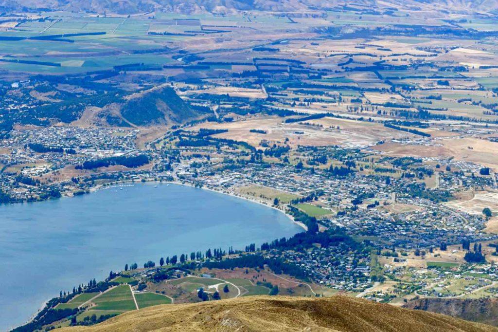 Wanaka Südinsel Neuseeland Sehenswürdigkeiten Blick auf Wanaka vom Mount Roy Titel 2 ©PetersTravel