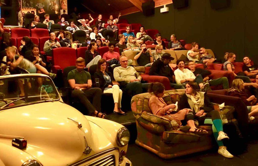Wanaka Tipps zu Sehenswürdigkeiten: Kino Paradiso innen Neuseeland ©PetersTravel