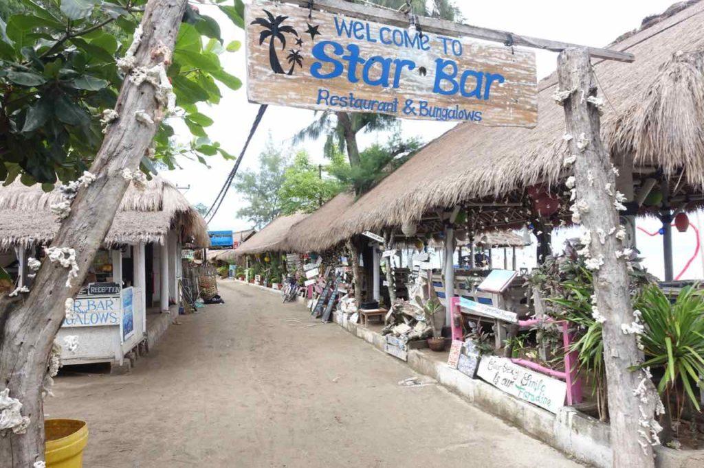 Gili Air Tipps: Hauptstraße bei der Star Bar, Indonesien ©PetersTravel