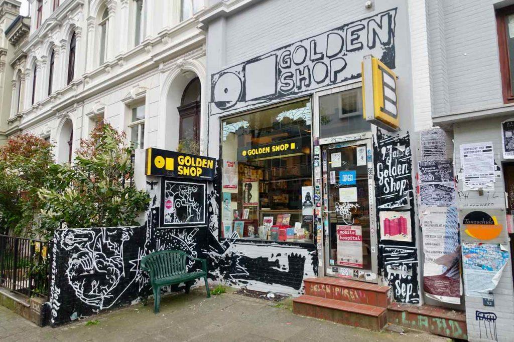 Szeneviertel Ostertor - Unterwegs in Bremens Viertel Buchladen Golden Shop © PetersTravel