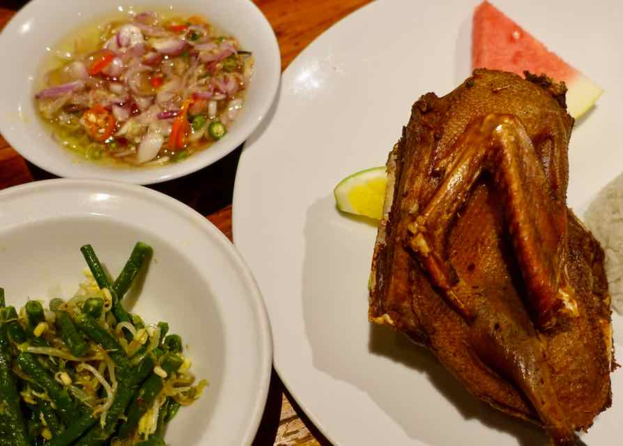 Ubud Restaurants: Ente im Dirty Duck auf Bali ©PetersTravel