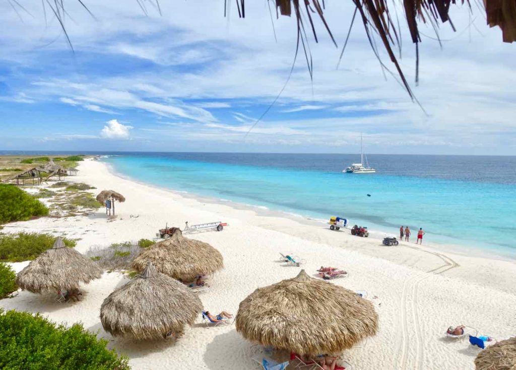 Klein Curacao, Totale vom Strand mit Schattenplätzen Copyright Peter Pohle
