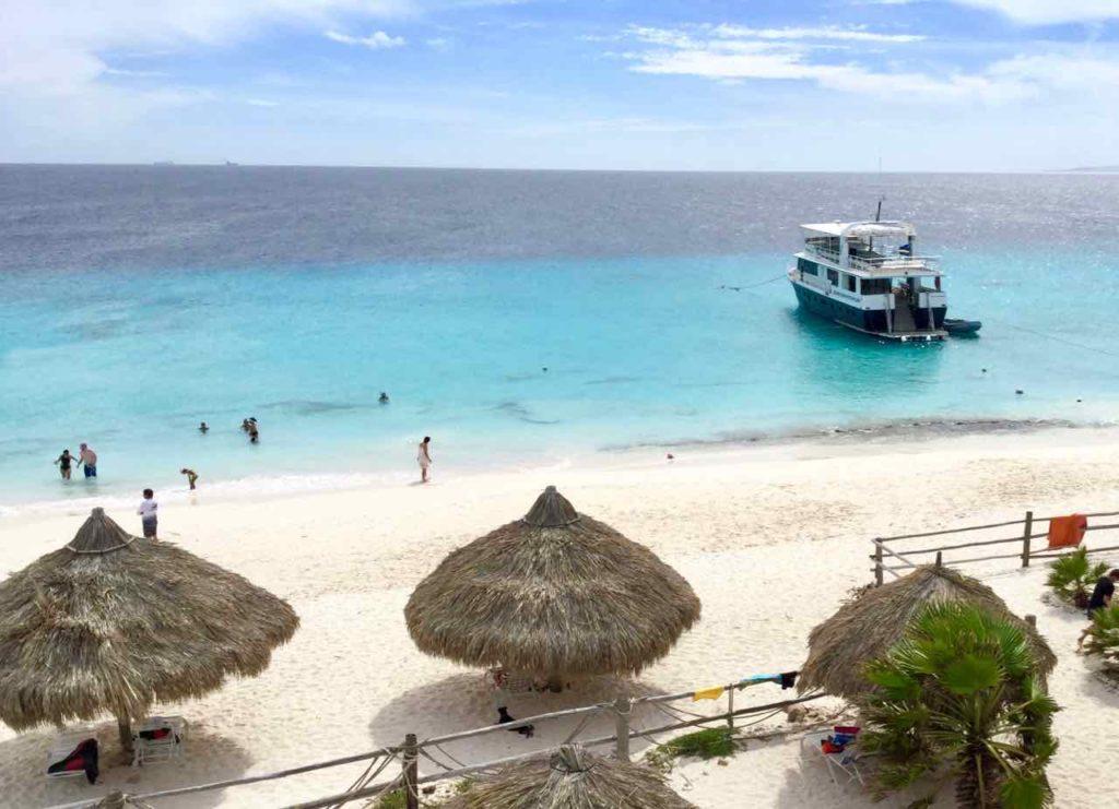 Klein Curacao, Von oben mit 3 Schattenplätzen Copyright Peter Pohle