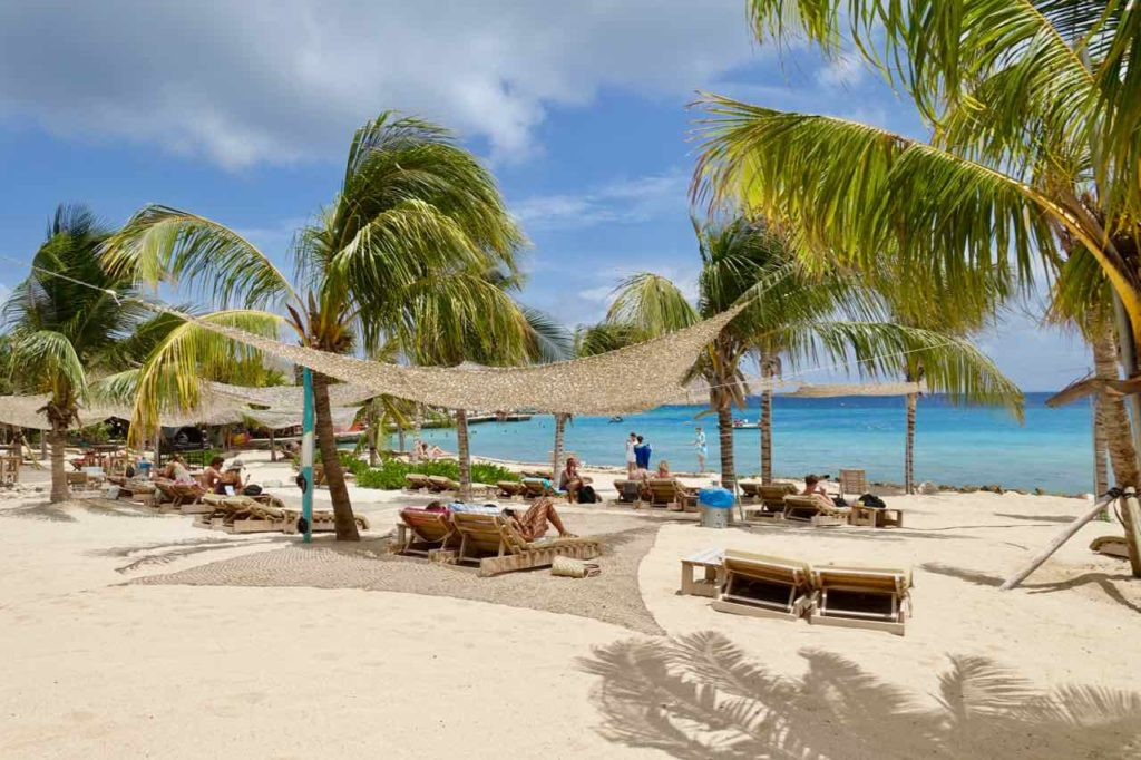 Restaurants Willemstad: Koko's Beachclub in Jan Thiel, Curacao