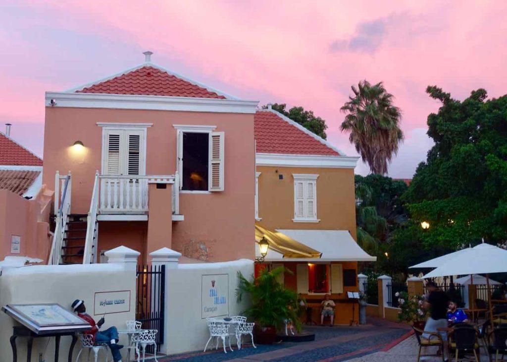 Sonesta Kura Hulanda Hotel Curacao, Abends