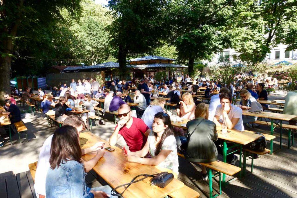 Biergarten im Tiergarten Berlin, Café am Neuen See Totale Copyright Peter Pohle