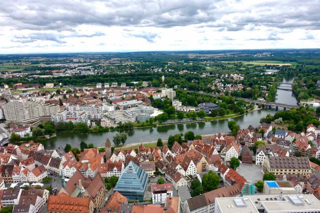 Ulm, Blick vom Münster Richtung Neu Ulm Copyright Peter Pohle Peterstravel