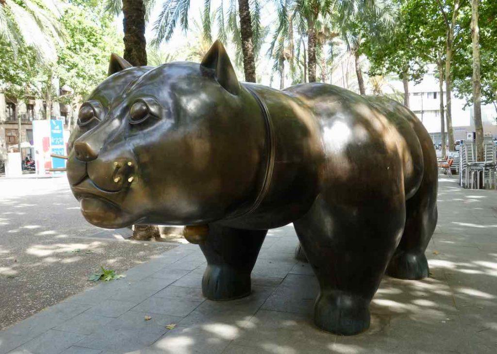 Barcelona Tipps: Statue von Fernando Botero, Copyright PetersTravel