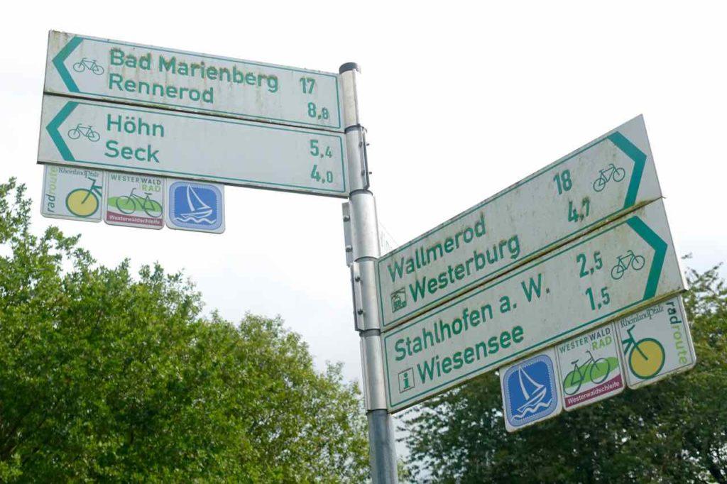 Westerwald Ausflüge, Wegweiser, Copyright Peter Pohle