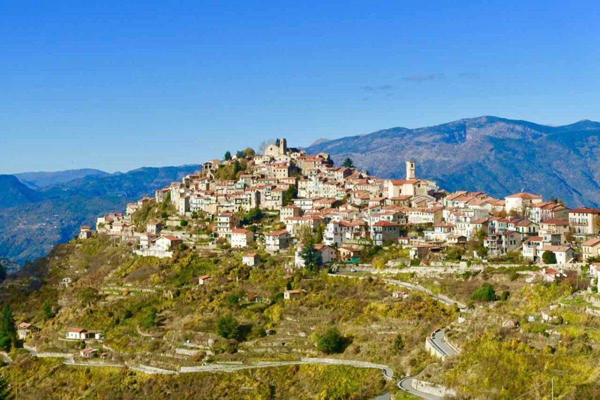 Highlights in Ligurien Totale von Bajardo Copyright Peter Pohle PetersTravel