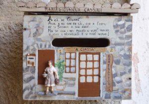 Highlights in Ligurien Briefkasten in Apricale Copyright Peter Pohle PetersTravel