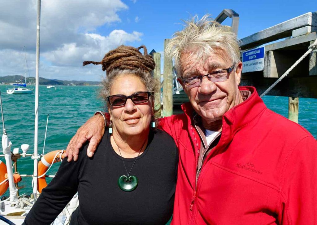 Rick und Robin auf ihrer Segel-Yacht Phantom in der Bay of Islands Neuseeland Copyright Peter Pohle PetersTravel