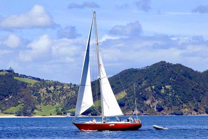 Phantom Yacht in der Bay of Islands Neuseeland Copyright R. Blomfield