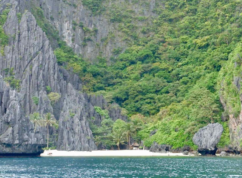 El Nido, Bootstour, Strand mit Hütte, Palawan, Philippinen Copyright Peter Pohle PetersTravel