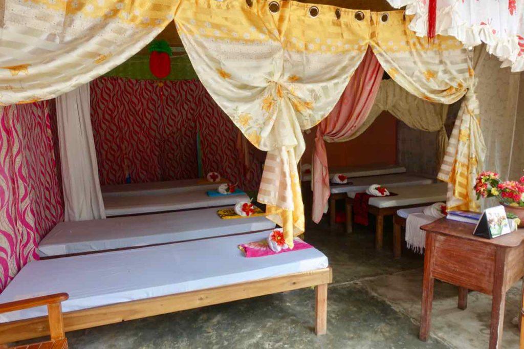 El Nido, Massagesalon auf der Hama St, Palawan, Philippinen Copyright Peter Pohle PetersTravel