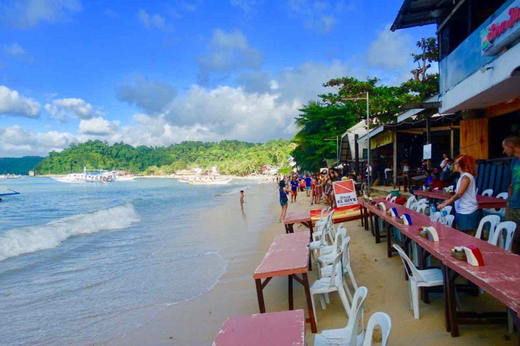 El Nido, Restaurant am Strand mit wenig Starnd, Palawan, Philippinen Copyright Peter Pohle PetersTravel