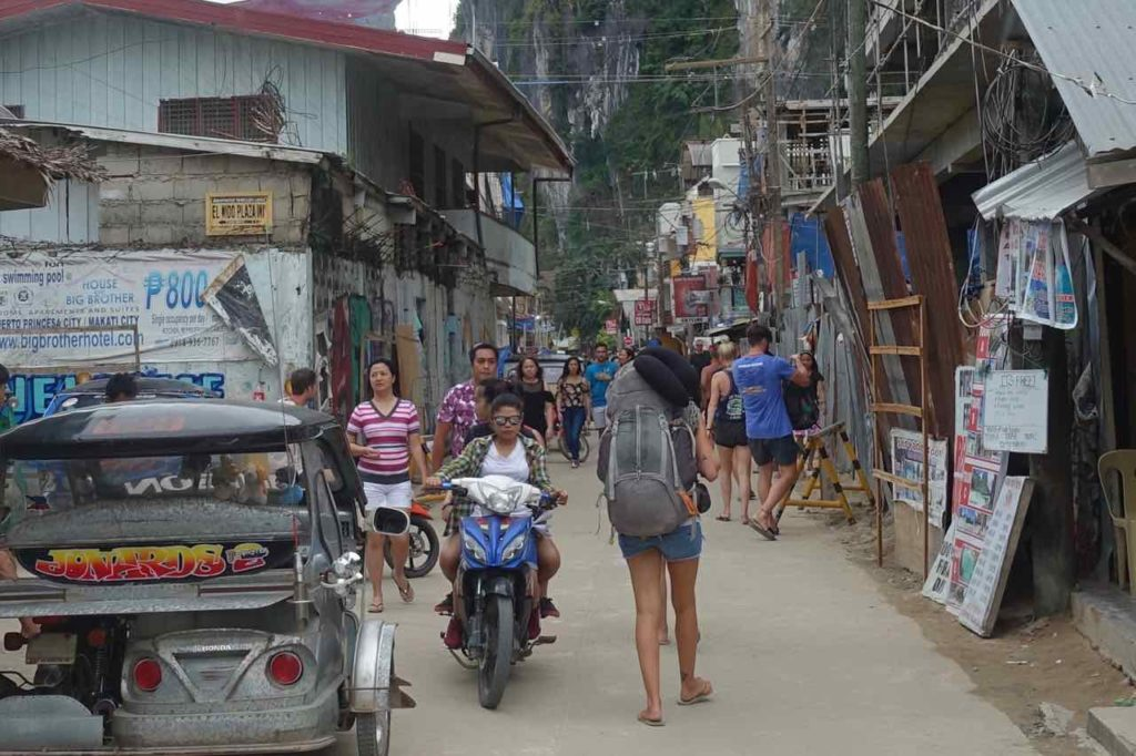El Nido: Rizal St Ecke Hama St, Palawan, Philippinen Copyright Peter Pohle PetersTravel