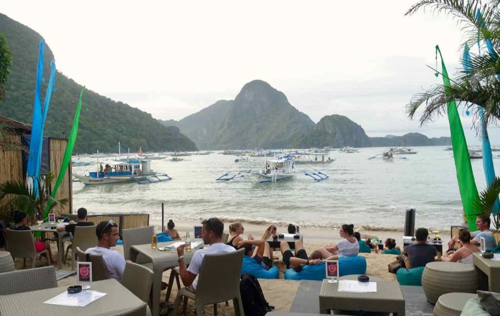 El Nido, Sava Bar and Restaurant, Blick auf's Meer, Palawan, Philippinen Copyright Peter Pohle PetersTravel
