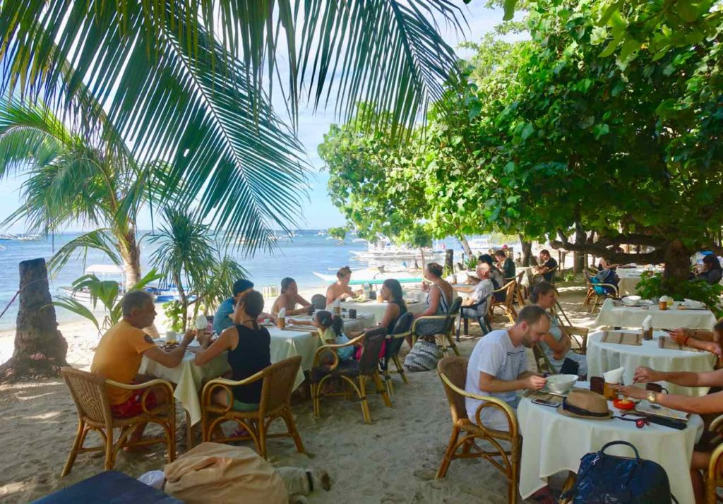 Malapascua Island, Hippocampus Restaurant Copyright Peter Pohle PetersTravel