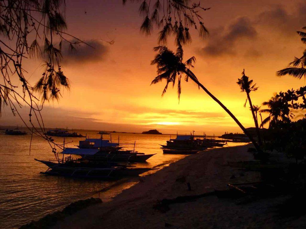 Malapascua Island, Sonnenuntergang vom Ocean Vida gesehen, Copyright Peter Pohle PetersTravel