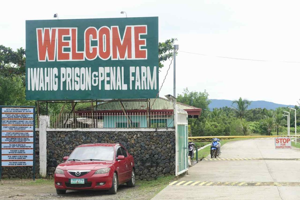 Puerto Princesa Palawan, Eingang zum Iwahig Prison, Copyright Peter Pohle PetersTravel