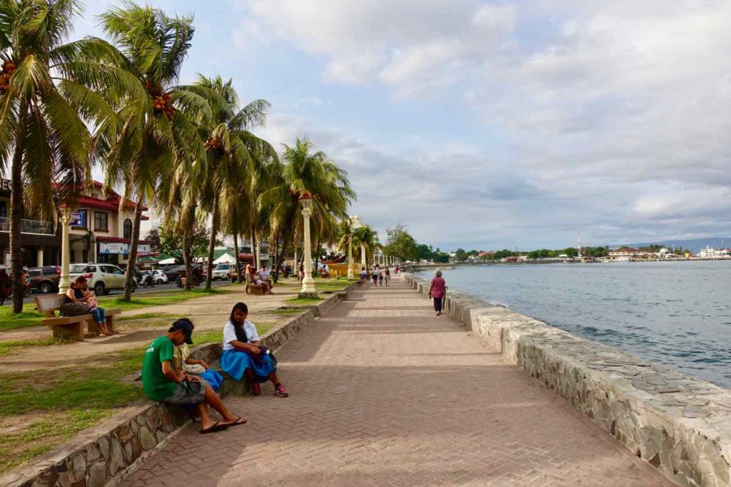 Dumaguete Tipps: Baypromenade vom Rizal Boulevard Copyright Peter Pohle PetersTravel