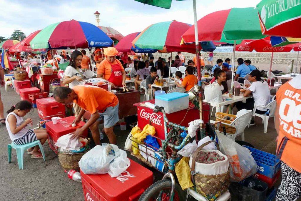 Dumaguete Tipps, Foodstalls am Rizal Boulevard in Dumaguete City