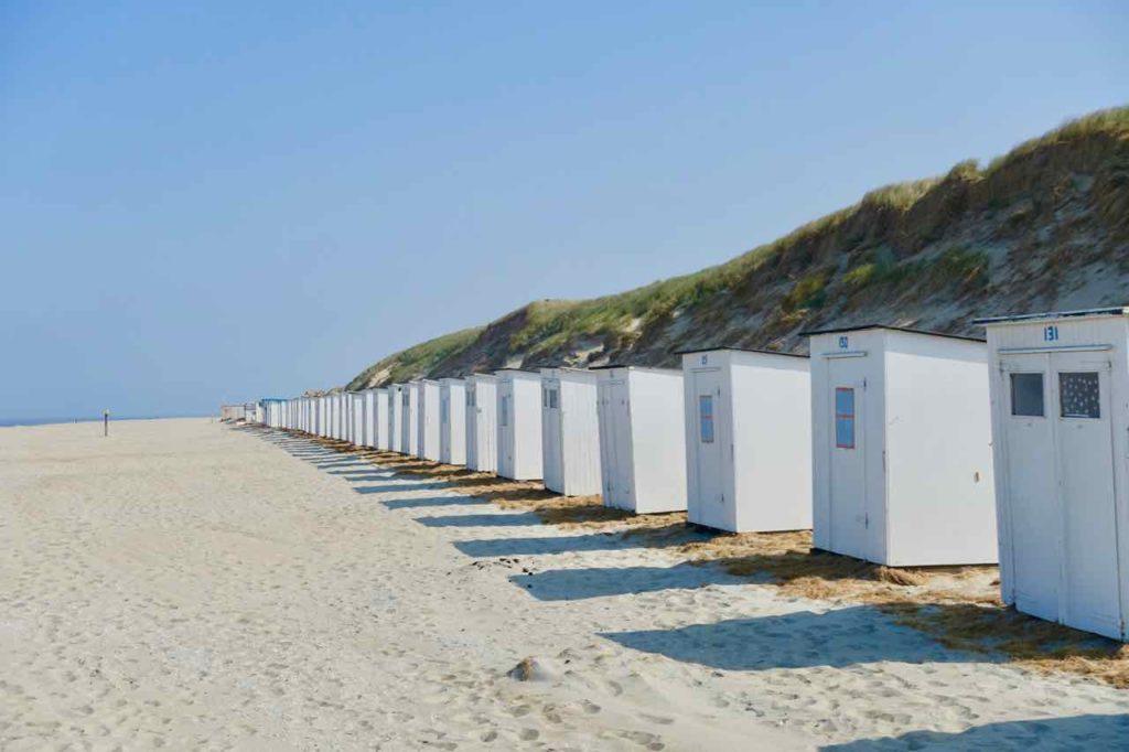 Texel Strände: Paal 9 mit Strandhäuschen