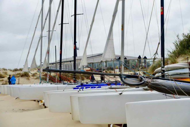 Texel Strände: Strand von Kaap Noord bei De Cocksdorp mit Booten
